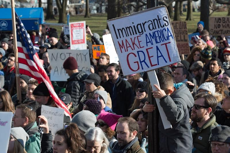 Protesters gather in Battery Park and march to the offices of Customs and Border Patrol in Manhattan to protest President Trump's Executive order imposing controls on travelers on January 29, 2017 (AFP Photo/Bryan R. Smith)