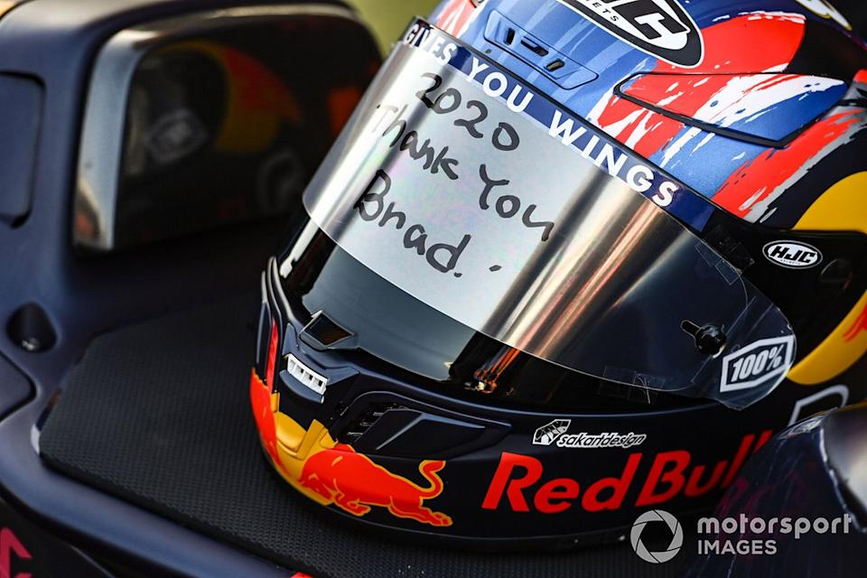 "Casco de Brad Binder, Red Bull KTM Factory Racing<span class=""copyright"">Gold and Goose / Motorsport Images</span>"