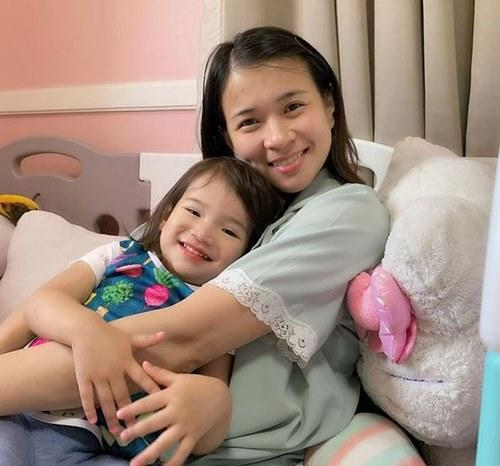 LJ with Summer, her daughter with Paolo