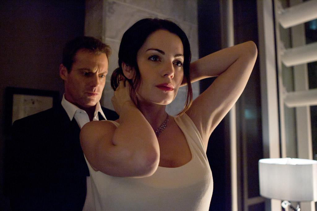 """Michael Shanks as Dr. Charlie Harris and Erica Durance as Dr. Alex Reid in """"Saving Hope."""""""