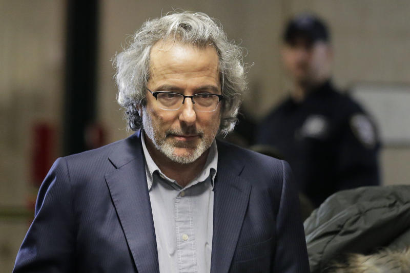 Warren Leight arrives at a Manhattan courthouse to testify in Harvey Weinstein's rape trial in New York, Thursday, Feb. 6, 2020. (AP Photo/Seth Wenig)