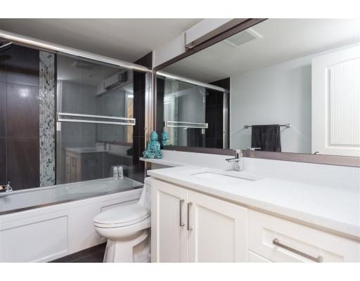 <p><span>4333 Knight St., Vancouver, B.C.</span><br> There are also two bathrooms.<br> (Photo: Zoocasa) </p>