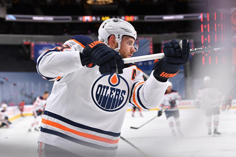 EDMONTON, ALBERTA - AUGUST 07: Leon Draisaitl #29 of the Edmonton Oilers warms up before Game Four of the Western Conference Qualification Round at Rogers Place on August 07, 2020 in Edmonton, Alberta. (Photo by Andy Devlin/NHLI via Getty Images)