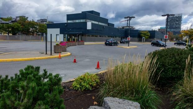 The Greyhound bus terminal in Ottawa photographed on Oct. 1, 2020, during the COVID-19 pandemic. Brigil finalized the sale of this land on Monday, and the company says it's committed to consulting the community before developing the land. (Jean Delise/Radio-Canada - image credit)