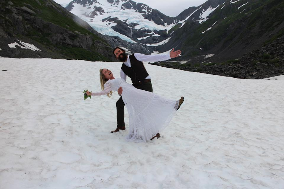 Lia and George's 21st wedding in Alaska (PA Real Life/Collect)