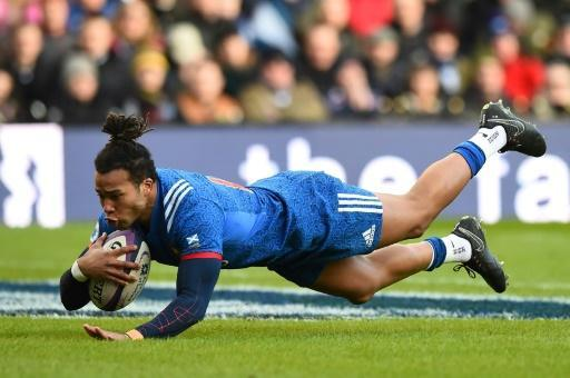 <p>France drop eight players for 'inappropriate behaviour' in Scotland</p>