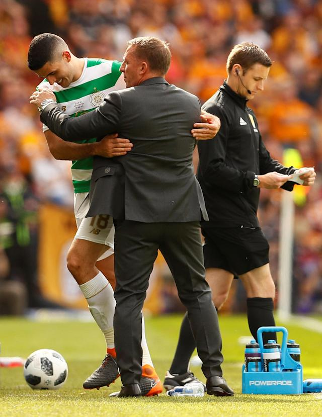 Soccer Football - Scottish Cup Final - Celtic vs Motherwell - Hampden Park, Glasgow, Britain - May 19, 2018 Celtic's Tom Rogic with manager Brendan Rodgers after being substituted Action Images via Reuters/Jason Cairnduff