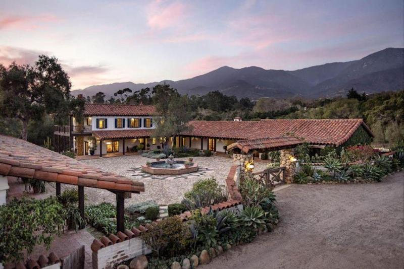 The big property was built in 1845, which she purcahsd in 2006, and is next-door neighbours to Oprah Winfrey. Source: Trulia