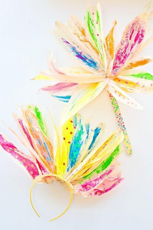 "<p>You can't mess up this sweet craft, and neither can they! Dried corn husks will look positively dashing once they're coated with a few strokes of colorful paint.</p><p><strong>Get the tutorial at <a href=""https://www.hellowonderful.co/post/CORN-HUSK-FLOWER-PAINTING-WITH-KIDS/#_a5y_p=4519089"" rel=""nofollow noopener"" target=""_blank"" data-ylk=""slk:Hello, Wonderful"" class=""link rapid-noclick-resp"">Hello, Wonderful</a>.</strong></p><p><strong><a class=""link rapid-noclick-resp"" href=""https://www.amazon.com/Crayola-Washable-Classic-Painting-Supplies/dp/B00004UBH2/ref=sr_1_3?tag=syn-yahoo-20&ascsubtag=%5Bartid%7C10050.g.22626432%5Bsrc%7Cyahoo-us"" rel=""nofollow noopener"" target=""_blank"" data-ylk=""slk:SHOP PAINT"">SHOP PAINT</a><br></strong></p>"