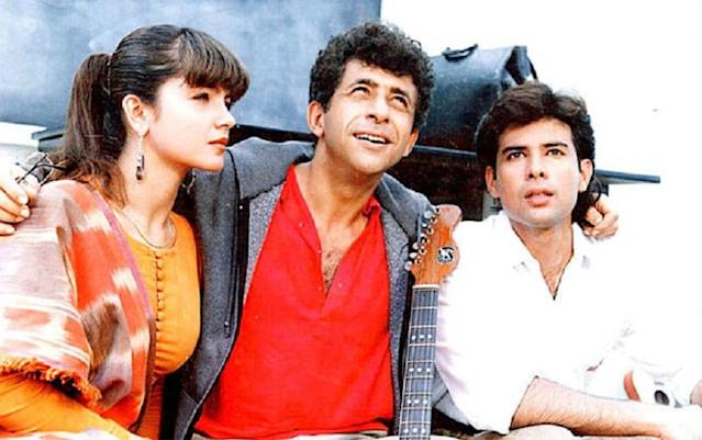 <p>'Sir, sir, o Sir – We love You' – the iconic anthem is from Mahesh Bhatt's 1993 film Sir, which starred Naseeruddin Shah as a professor and Pooja Bhatt as his student. In the campus love story, Shah helps Bhatt overcome her stammering and is ready to even risk his life for his students. </p>