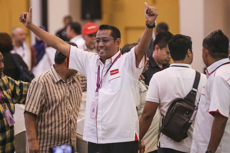 Pakatan Harapan's Seri Setia by-election candidate, Halimey Abu Bakar, celebrates after winning the by-election in Dewan Sivik MBPJ, Petaling Jaya, September 9, 2018. ― Picture by Hari Anggara