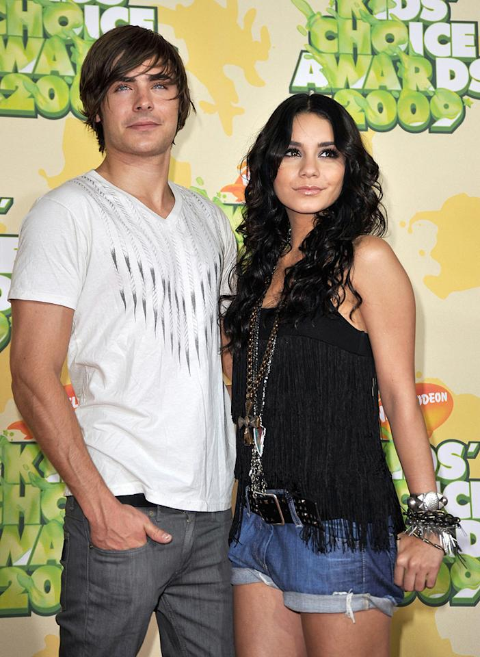 """<a href=""""http://movies.yahoo.com/movie/contributor/1808543881"""">Zac Efron</a> and <a href=""""http://movies.yahoo.com/movie/contributor/1808436979"""">Vanessa Hudgens</a> at the 22nd Annual Nickelodeon Kids' Choice Awards - 03/28/2009"""