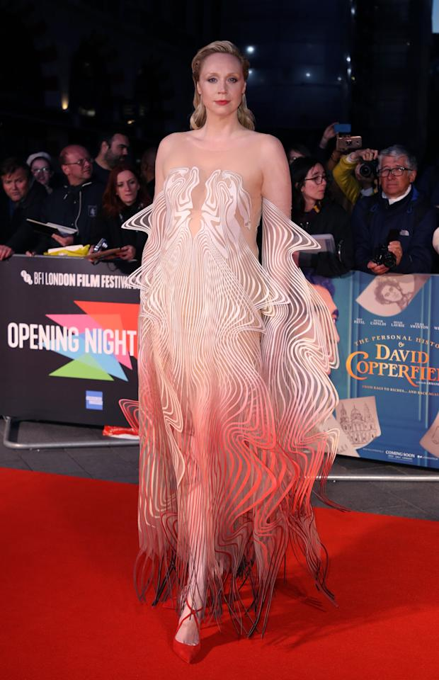 """<p>Gwendoline Christie looked like a walking optical illusion in <a href=""""https://www.popsugar.com/fashion/gwendoline-christie-dress-at-bfi-london-film-festival-2019-46714786"""" class=""""ga-track"""" data-ga-category=""""Related"""" data-ga-label=""""https://www.popsugar.com/fashion/gwendoline-christie-dress-at-bfi-london-film-festival-2019-46714786"""" data-ga-action=""""In-Line Links"""">this Iris van Herpen gown</a> at the BFI London Film Festival.</p>"""