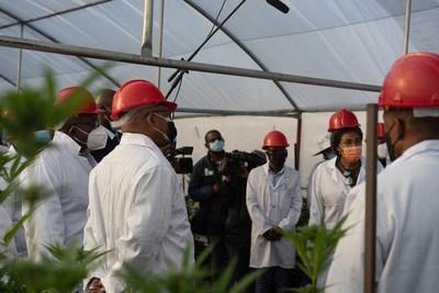 Image captured at Bophelo Bioscience of the recent visit of The Prime Minister with his Cabinet Members (CNW Group/Halo Collective Inc.)