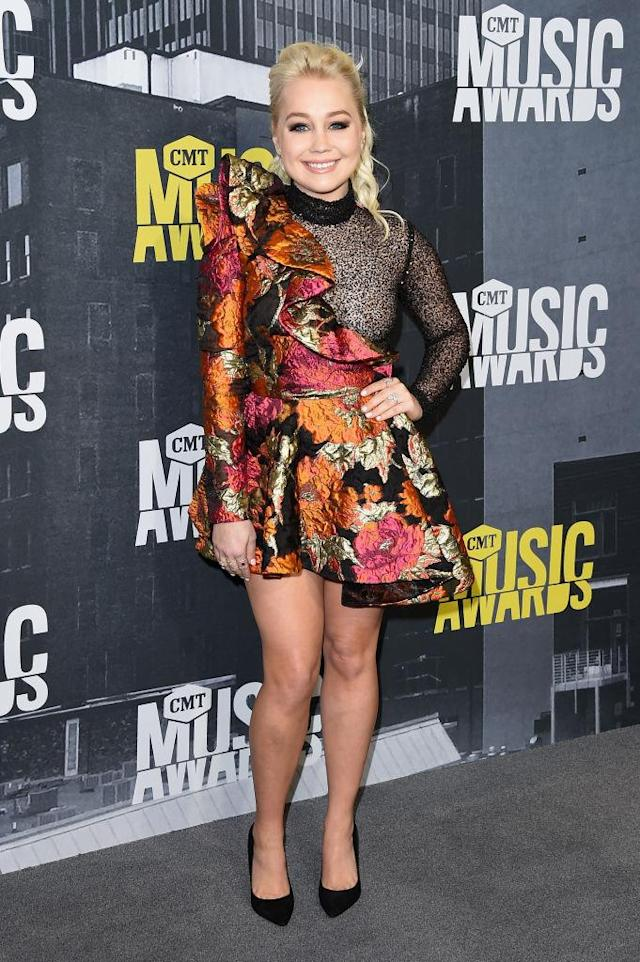 <p>The singer went for flowery, short, and sheer. (Photo: Getty Images) </p>