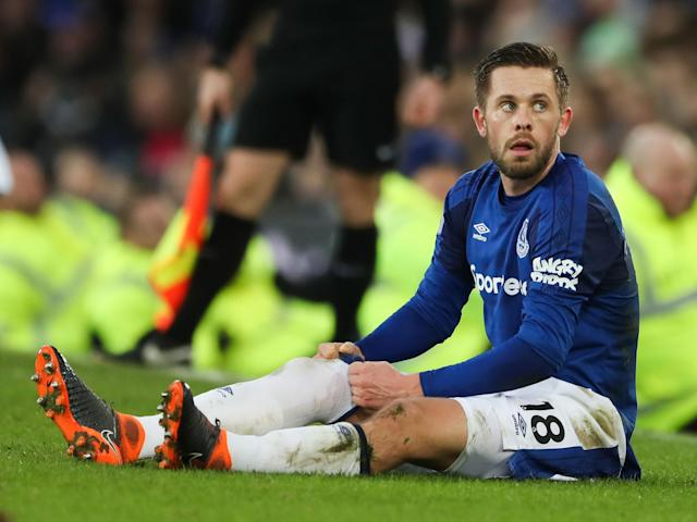 Everton's Gylfi Sigurdsson to miss six to eight weeks with knee injury - but should be fit for World Cup