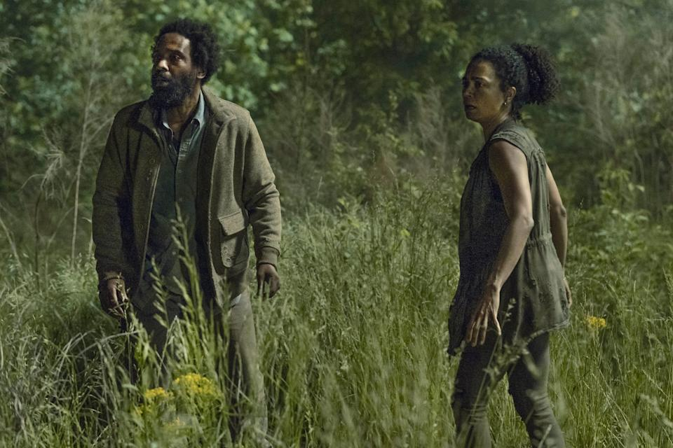 TWD 1106 Virgil and Connie, Kevin Carroll and Lauren Ridloff