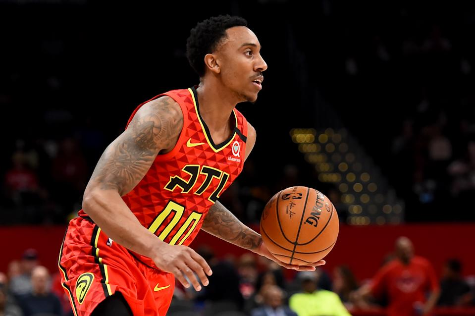 WASHINGTON, DC - MARCH 06: Jeff Teague #00 of the Atlanta Hawks dribbles against the Washington Wizards during the first half at Capital One Arena on March 06, 2020 in Washington, DC. NOTE TO USER: User expressly acknowledges and agrees that, by downloading and or using this photograph, User is consenting to the terms and conditions of the Getty Images License Agreement. (Photo by Will Newton/Getty Images)