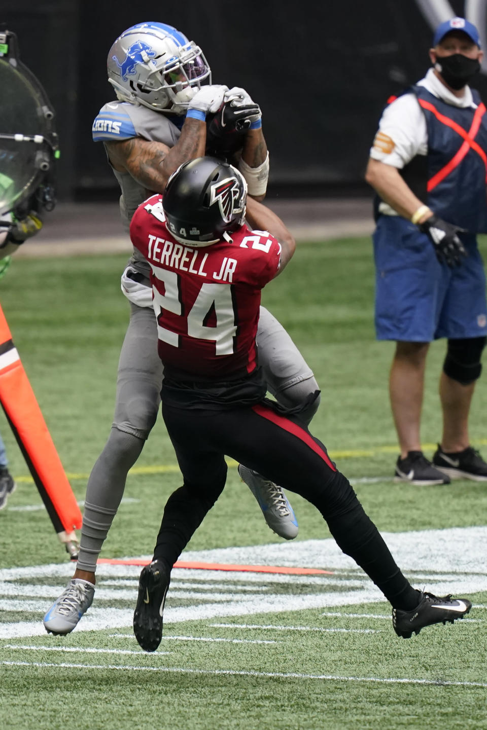 Detroit Lions wide receiver Kenny Golladay (19) makes the catch against Atlanta Falcons cornerback A.J. Terrell (24) during the second half of an NFL football game, Sunday, Oct. 25, 2020, in Atlanta. (AP Photo/Brynn Anderson)