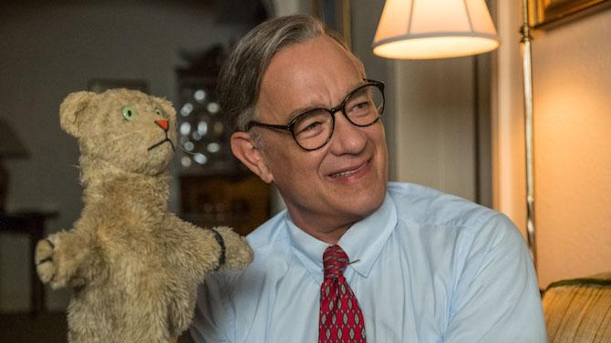 Tom Hanks interpreta al célebre Mister Rogers en Un amigo extraordinario. (Imagen: Lacey Terrell © 2019 CTMG, Inc. All Rights Reserved / Image.net)