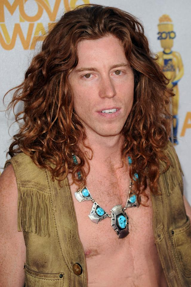 <p>Shaun White arrive at the 2010 MTV Movie Awards held at the Gibson Amphitheatre at Universal Studios on June 6, 2010 in Universal City, California. (Photo by Jason Merritt/Getty Images) </p>
