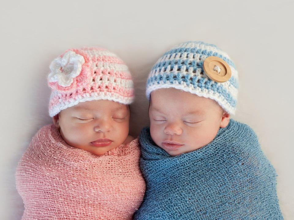 Boy and girl newborn babies (Getty Images/iStockphoto)