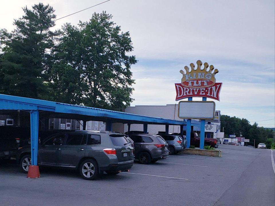 """<p>A lot of drive-ins will close when the weather turns cold, but King Tut Drive-In in Beckley, West Virginia, <em>increases</em> its menu by adding <a href=""""https://www.thedailymeal.com/make-ahead-meals-you-can-freeze?referrer=yahoo&category=beauty_food&include_utm=1&utm_medium=referral&utm_source=yahoo&utm_campaign=feed"""" rel=""""nofollow noopener"""" target=""""_blank"""" data-ylk=""""slk:classic comforting soups"""" class=""""link rapid-noclick-resp"""">classic comforting soups</a> such as potato soup, vegetable soup and chili to its wintertime menu. </p>"""