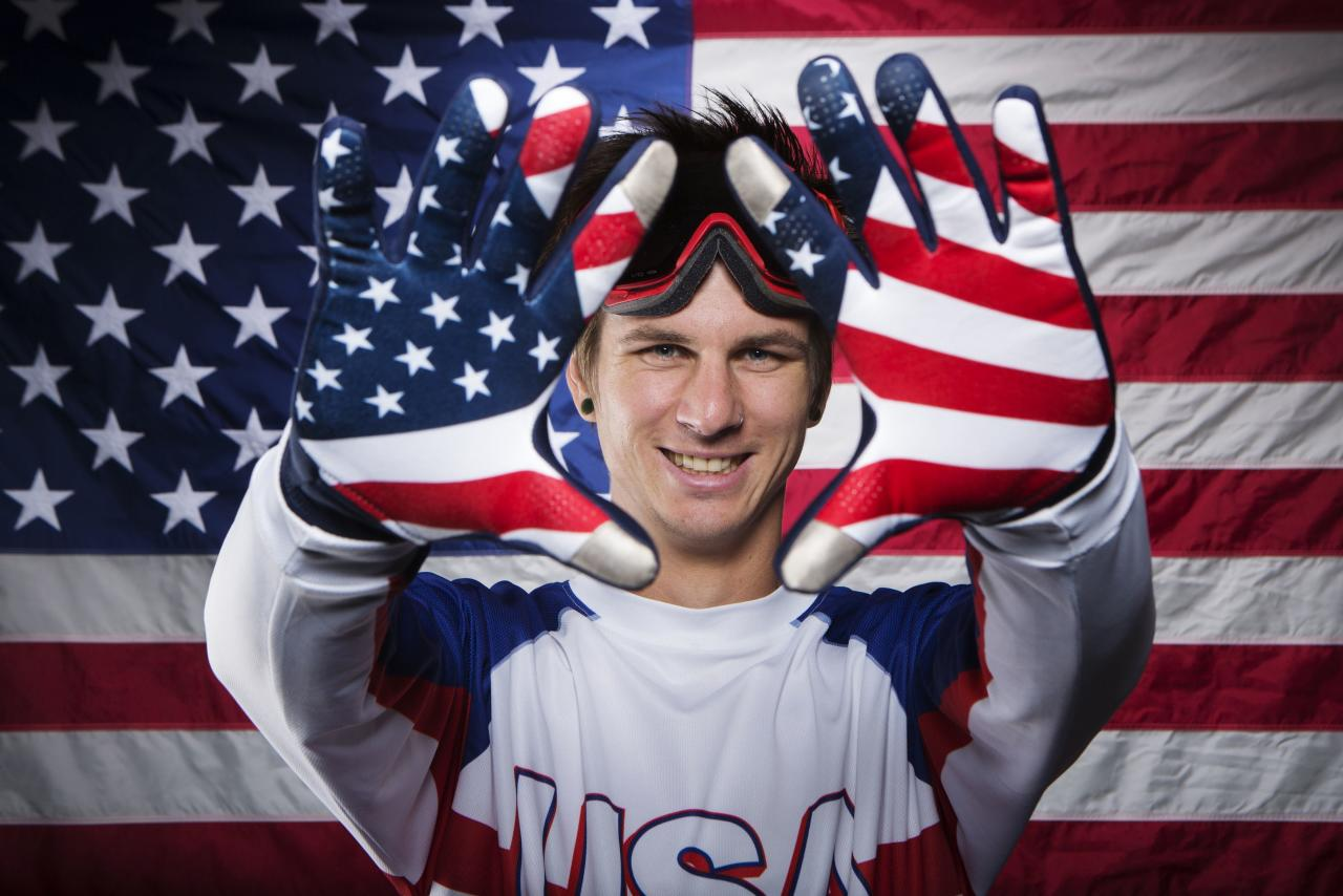 Paralympic snowboarder Evan Strong poses for a portrait during the 2013 U.S. Olympic Team Media Summit in Park City, Utah October 1, 2013. REUTERS/Lucas Jackson (UNITED STATES - Tags: SPORT OLYMPICS PORTRAIT SNOWBOARDING TPX IMAGES OF THE DAY)