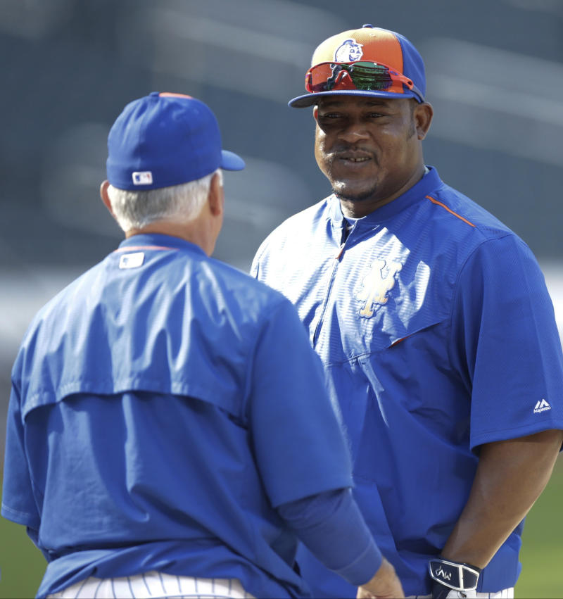Johnson, Uribe join Mets, Collins says hot hitters will play