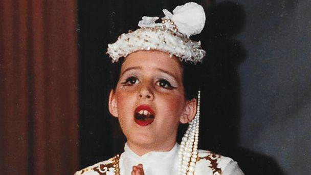 PHOTO: Joely Fisher performs in costume in this undated family photo. (Courtesy Joely Fisher)