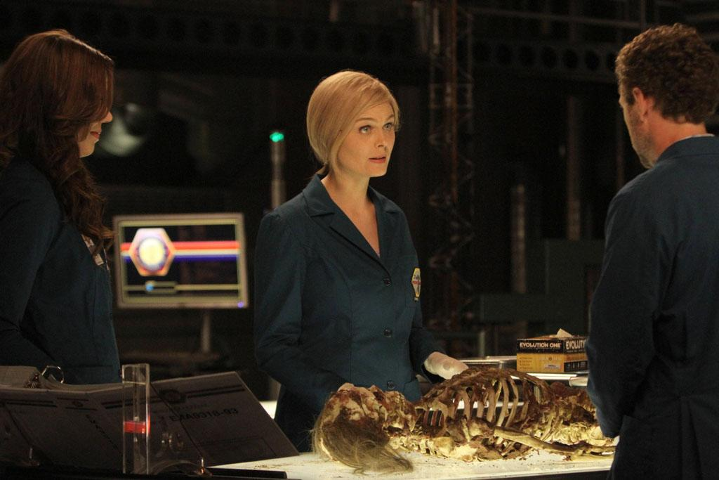 "While still on the run and accused of murder, Brennan (Emily Deschanel) covertly returns to the Jeffersonian lab to help prove her innocence in ""The Future in the Past,"" the Season 8 premiere episode of ""Bones."""
