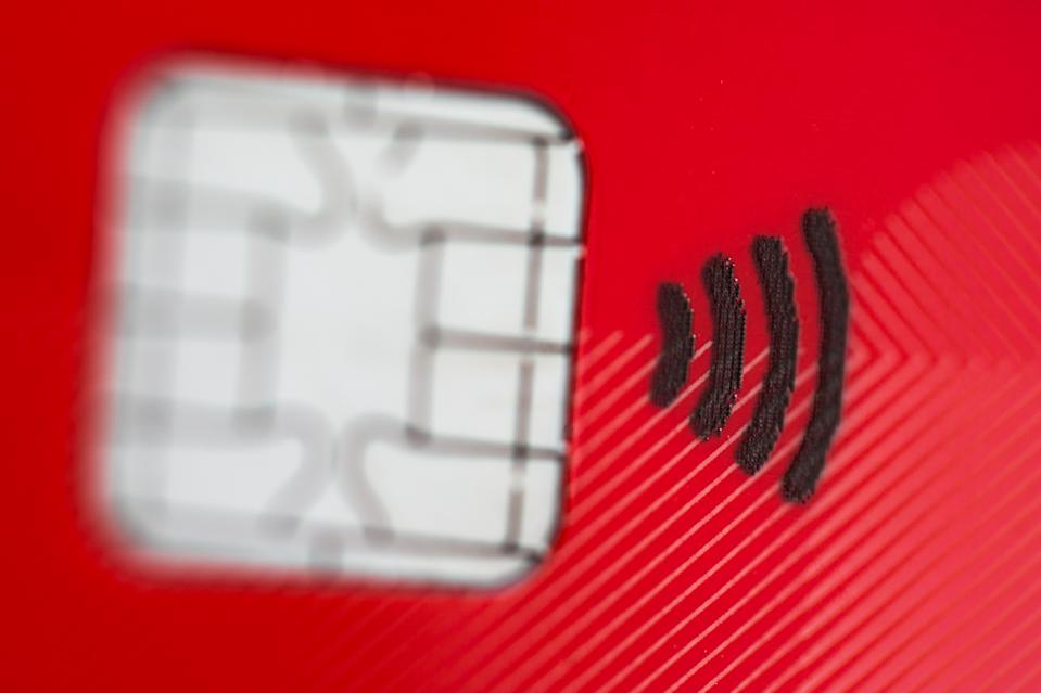 ILLUSTRATION - A debit card with a radio chip for contactless payment up to 25 Euros lies on a desk in Duesseldorf, Germany, 29 August 2016. Photo: Rolf Vennenbernd/dpa | usage worldwide   (Photo by Rolf Vennenbernd/picture alliance via Getty Images)