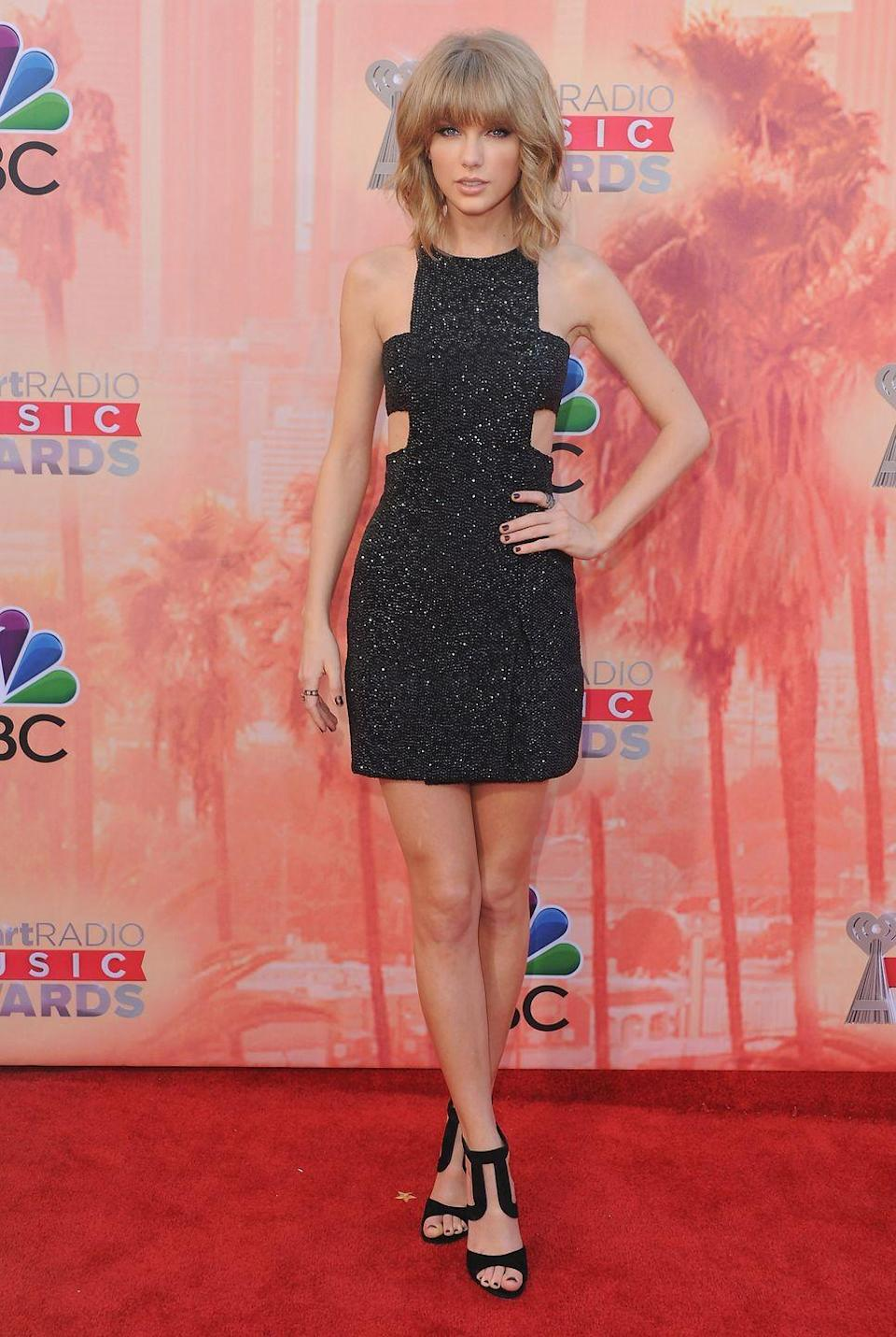 <p>Here, at the iHeartRadio Music Awards, Taylor Swift shows how the biggest trend of the season–cutouts–is done.</p>