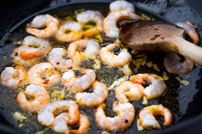how to saute shrimp (Getty Images stock)