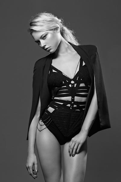 Cut-away straps harness the body at Absainte.