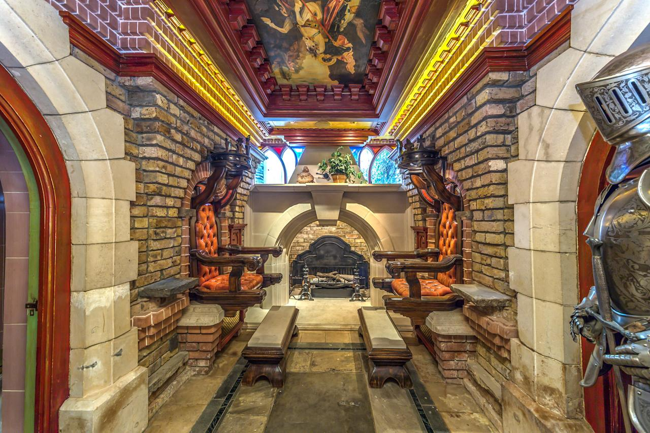 <p>It also has a sanctuary with ceiling and fireplace inspired by Windsor Castle. On either side are two vast thrones. </p>