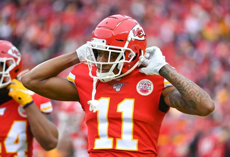 Kansas City Chiefs' Demarcus Robinson extends contract, according to reports