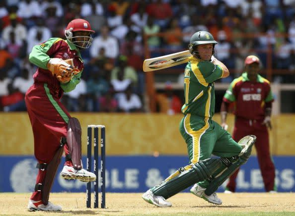 AB de Villiers blazed his way to an exhilarating hundred.