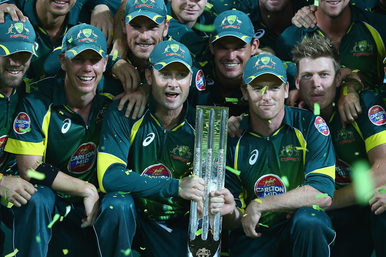 ADELAIDE, AUSTRALIA - JANUARY 26:  The Australian team celebrate after they defeated England after game five of the One Day International Series between Australia and England at Adelaide Oval on January 26, 2014 in Adelaide, Australia.  (Photo by Robert Cianflone/Getty Images)