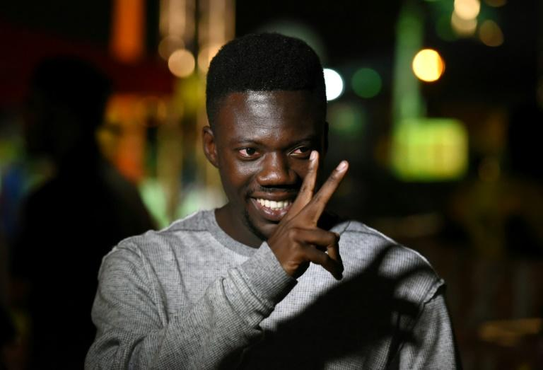 """""""Bop de Narr is unique,"""" reckons manager and producer Ickx Fontaine, the """"grandfather"""" of hip hop in Ivory Coast. """"His style, his writing are singular"""""""
