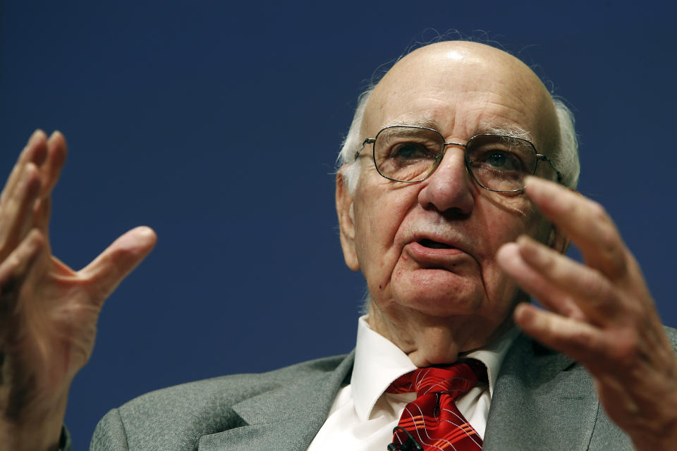 Former U.S. Federal Reserve Chairman Paul Volcker addresses the Bretton Woods Committee annual meeting at World Bank headquarters in Washington May 21, 2014. REUTERS/Jonathan Ernst  (UNITED STATES - Tags: POLITICS BUSINESS)