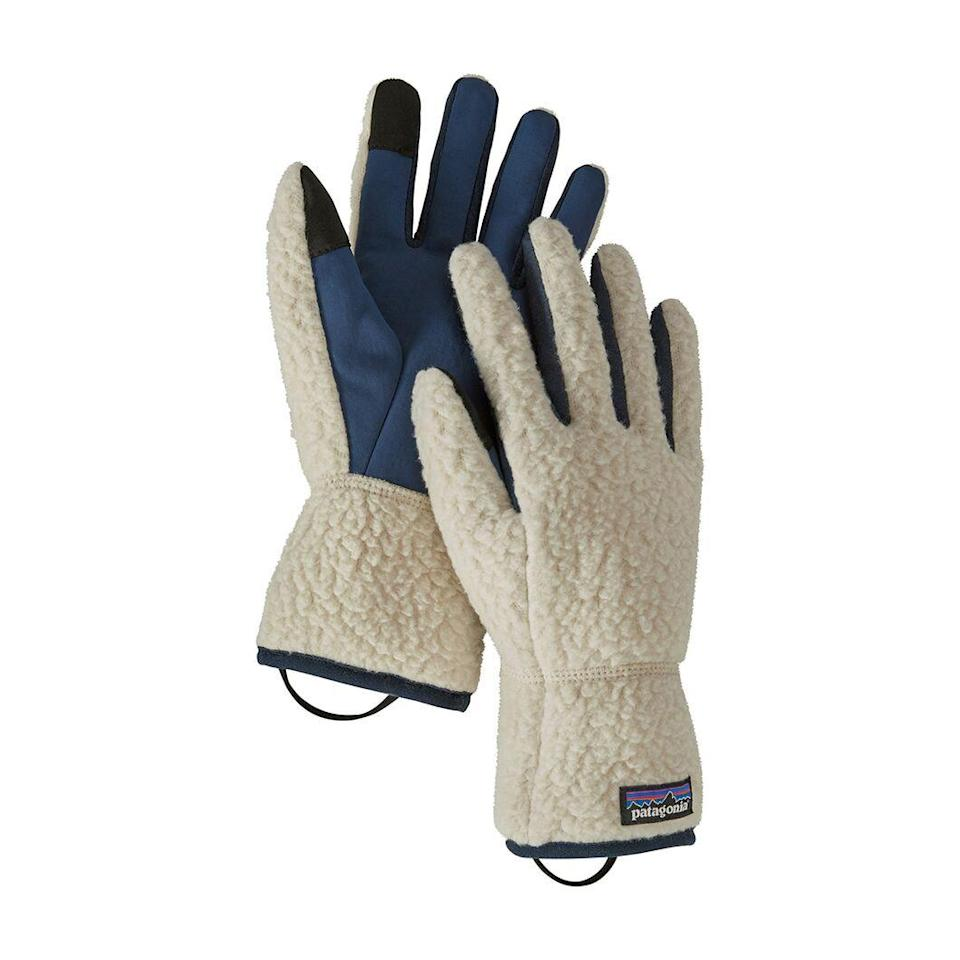 "Patagonia stans will obsess over these recycled shearling gloves. Yay for insulation. $55, Back Country. <a href=""https://www.backcountry.com/patagonia-retro-pile-glove?"" rel=""nofollow noopener"" target=""_blank"" data-ylk=""slk:Get it now!"" class=""link rapid-noclick-resp"">Get it now!</a>"