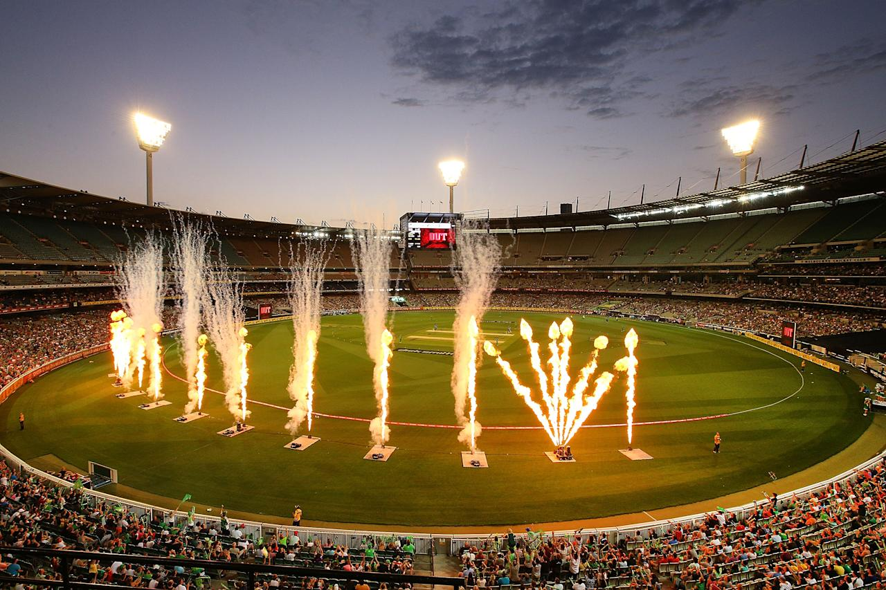 MELBOURNE, AUSTRALIA - JANUARY 09:  A general view is seen during the Big Bash League match between the Melbourne Stars and the Adelaide Strikers at the Melbourne Cricket Ground on January 9, 2014 in Melbourne, Australia.  (Photo by Michael Dodge/Getty Images)