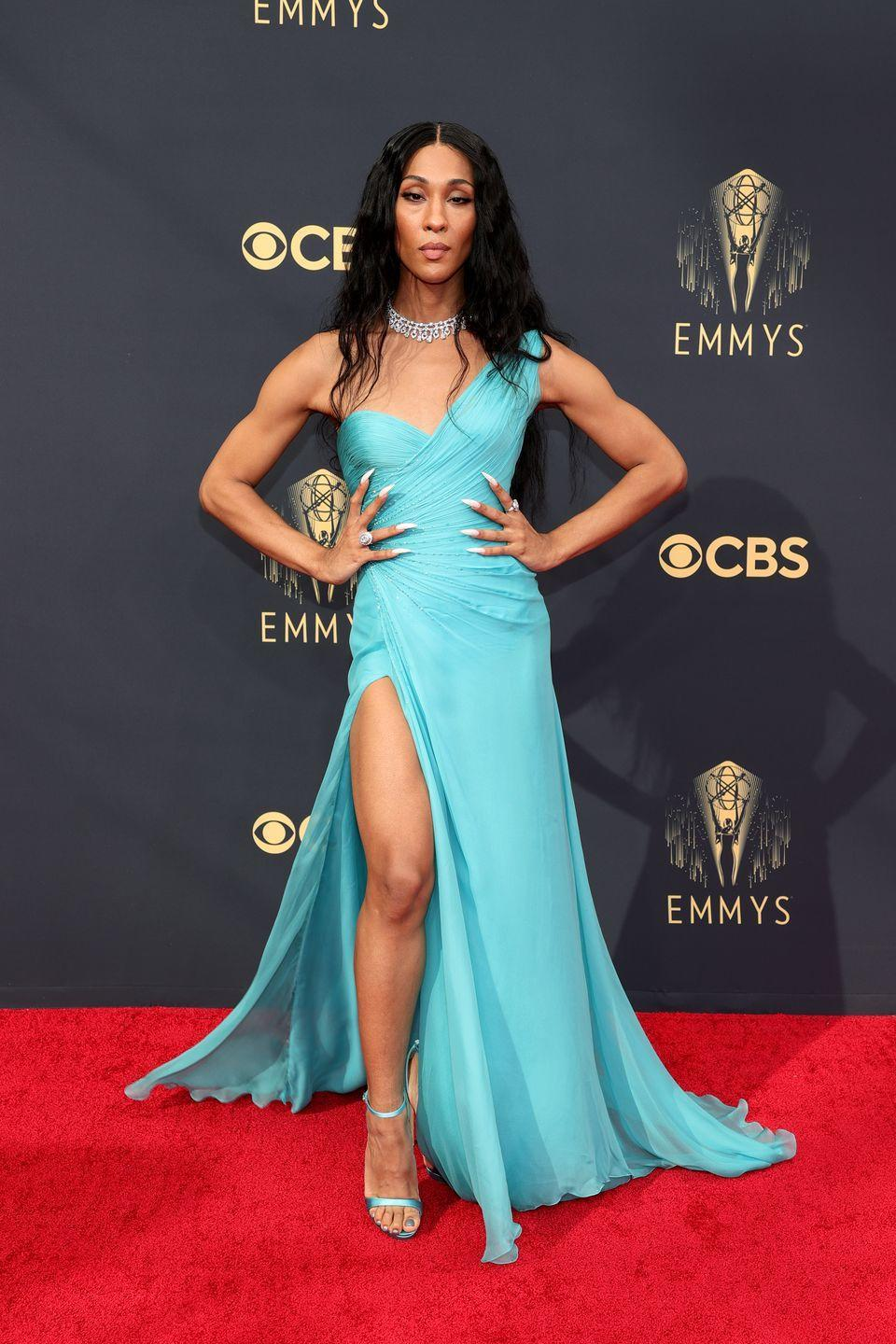 <p><strong>What:</strong> Vintage Atelier Versace and Bulgari</p><p><strong>Why: </strong>The color. The cut. The slit. Need we say more? This look says goddess from head to toe, including the breathtaking Bulgari jewels. It's vintage to boot, which proves that sustainable, archival looks on the red carpet feel just as fresh as something shiny and new.</p>
