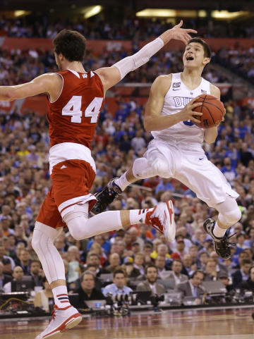 Duke's Grayson Allen drives to the basket ahead of Wisconsin's Frank Kaminsky. (AP)