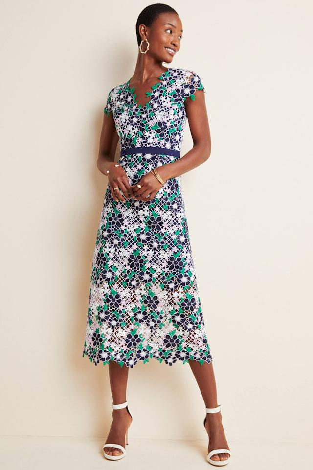 "<p><strong>Foxiedox</strong></p><p>anthropologie.com</p><p><strong>$223.00</strong></p><p><a href=""https://go.redirectingat.com?id=74968X1596630&url=https%3A%2F%2Fwww.anthropologie.com%2Fshop%2Fchartres-lace-midi-dress&sref=http%3A%2F%2Fwww.townandcountrymag.com%2Fstyle%2Ffashion-trends%2Fg12096491%2Fbest-fall-wedding-guest-dresses%2F"" target=""_blank"">Shop Now</a></p><p>Floral lace gets a modern makeover in this white, navy, and emerald midi dress. </p>"