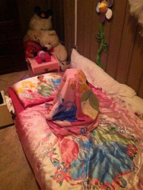 <p>This would be the perfect hiding spot for, say, Flat Stanley. </p>