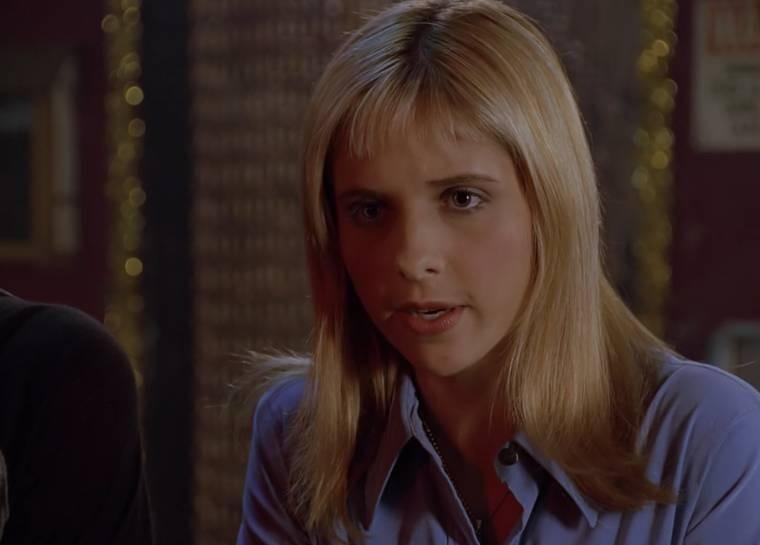Buffy with really short front fringe bangs