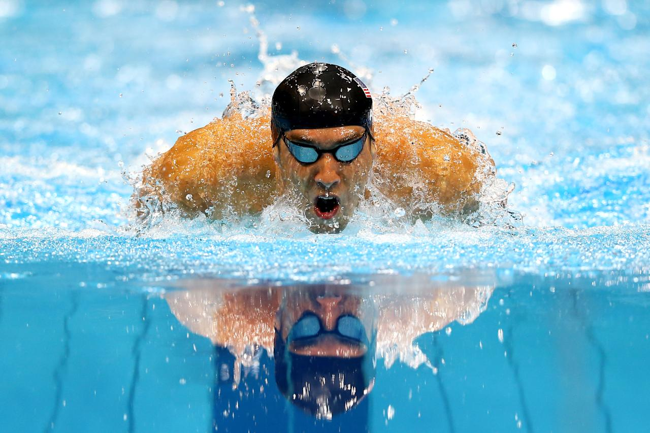 LONDON, ENGLAND - JULY 28: Michael Phelps of the United States competes in the Final of the Men's 400m Individual Medley on Day One of the London 2012 Olympic Games at the Aquatics Centre on July 28, 2012 in London, England.  (Photo by Al Bello/Getty Images)