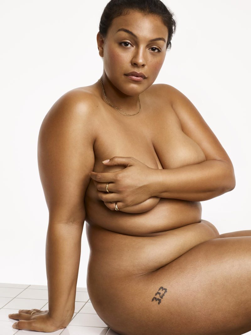 "Elesser starred in the <a href=""http://www.huffingtonpost.com/entry/nike-plus-size-model-sports-bra_us_5788fffbe4b0867123e0ec10"">landmark Nike ad</a> that finally acknowledged curvy women work out, too."